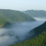 La valle e la nebbia della mattina